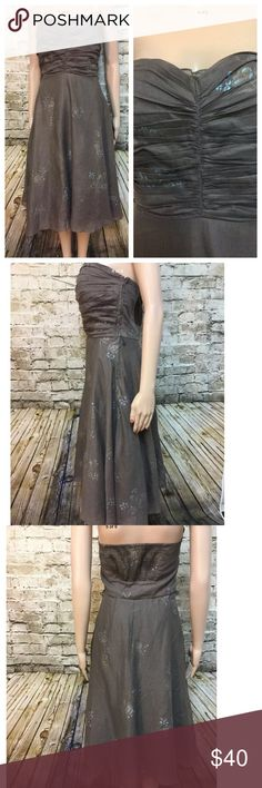 """Odille strapless party dress with full skirt. Beautiful Odille strapless dress with full skirt. 3 layers underneath Side zipper Size: 6 Chest: 36"""" Waist: 30"""" Length: 36"""" Anthropologie Dresses Strapless"""