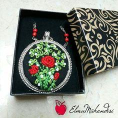 El yapımı rokoko kolye işleme embriodery necklace  handmade etamin kolye el işi
