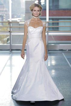Pin for Later: Les Plus Belles Robes de Mariée de la Bridal Fashion Week Automne 2014  Rita Vinieris-Rivini Bridal Autumn 2014