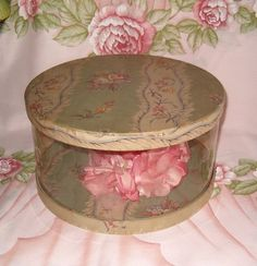 Antique Vintage Cloth Green Print Fabric covered Ladies Hat Box  I HAVE / HAD THIS BOX ! LOVE IT