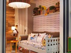texturas e cores que combinam entre si deixam esse quarto um recanto delicioso pra se estar