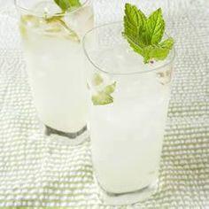 Mojito (cocktail de rhum et de menthe fraîche) @ qc.allrecipes.ca