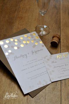 Faire-part et carton-réponse de mariage en dorure à chaud et numérique, imprimé sur papier irisé. Pour un mariage glamour, or, festif, confetti. A découvrir sur Les-Libellules.fr