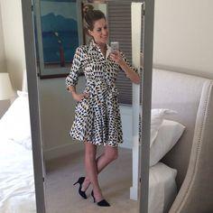 DVF Geometric Dress Size 2 Like new. Classic cut, Gorgeous flare. Diane von Furstenberg Dresses