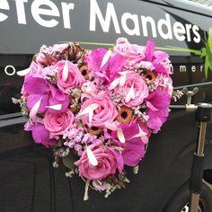 bruidsboeket in hartvorm bij  Peter Manders bloemist in #Lemmer