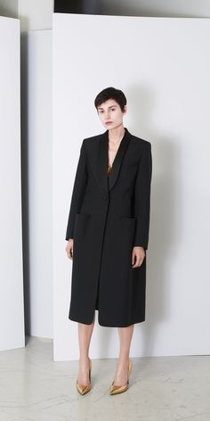 Balenciaga Coats for Women - Discover the latest collection at the official Balenciaga online store.