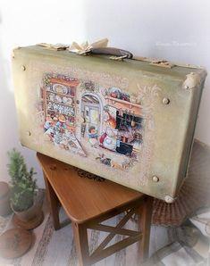 Фотография Vintage Suitcases, Vintage Luggage, Shabby Chic Trunk, Decoupage, Altered Boxes, Chalk Paint, Artsy Fartsy, Repurposed, Retro