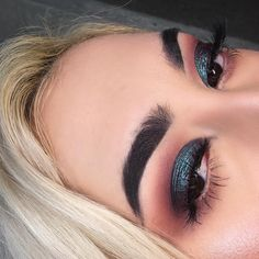 "889 Likes, 9 Comments - Gina Mooney (@ginamooneymakeup) on Instagram: ""Today's slay Eyes- @tartecosmetics Pro Tarteist palette Lashes- @themakeupshack Dubai Brows-…"""