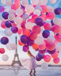 Strictly Weddings· Obsessed with this fun take at the Eiffel Towner with Hobopeeba / Кристина Макеева! Color popping! xoxo Dress: Свадебные платья Yoo Studio