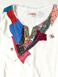 India skipper T three-quarter sleeves (psychedelic) maybe from Japanese site. Style like 'boro' where many patches are applied over time. Sewing Clothes, Diy Clothes, Clothes For Women, Diy Fashion, Womens Fashion, Altered Couture, Altering Clothes, Cycling Outfit, Refashion