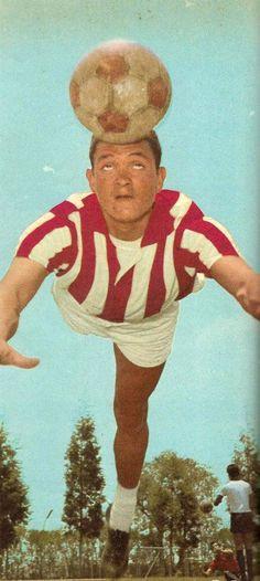 """Guillermo """"Chato"""" Ortiz 1960-1966 - 63 goles un símbolo necaxista, hijo de otra leyenda necaxista integrante de los famosos """"Once Hermanos"""" Marcial """"El Ranchero"""" Ortiz."""