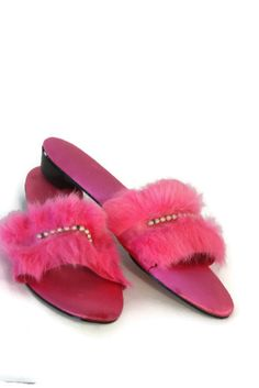 Vintage Womens Bedroom Slippers Hot Pink by myvintagewhimsy Bedroom Slippers, Pink Slippers, Womens Slippers, Vintage Fur, Vintage Ladies, Fur Sliders, Thing 1, Woman Bedroom, Pink Houses