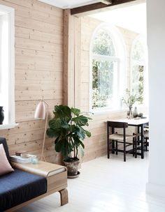 Frag and Naomi Woodall - The Design Files Decoration Inspiration, Interior Inspiration, Color Inspiration, Decor Ideas, Exterior Design, Interior And Exterior, Scandi Home, The Design Files, Wood Interiors