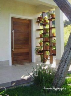 Amazing way to planting your garden and outdoor design Balcony Garden, Indoor Garden, Indoor Plants, Outdoor Gardens, Home And Garden, Potted Plants, Jardin Decor, Vertical Gardens, House Entrance
