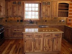 Rustic Hickory Kitchen Cabinets - ideas for solid wood kitchen furniture Kitchen Design Styles, Hickory Kitchen, Rustic Kitchen Cabinets, Hickory Kitchen Cabinets, New Kitchen Cabinets, Kitchen Design, Wood Kitchen Cabinets, Rustic Cabinets, Primitive Kitchen