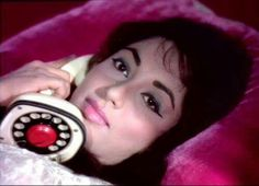 Sadhna Bollywood Party, Bollywood Photos, Vintage Bollywood, Bollywood Stars, Indian Bollywood, Beautiful Bollywood Actress, Most Beautiful Indian Actress, Sadhana Actress, Picture Movie