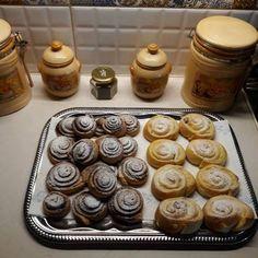 Pihe puha kakaós csiga 🐌 Thing 1, Muffin, Pudding, Breakfast, Food, Breakfast Cafe, Muffins, Essen, Puddings
