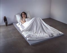 Hyperrealistic Sculptures by Rob Mueck   HYPENOTICE.COM