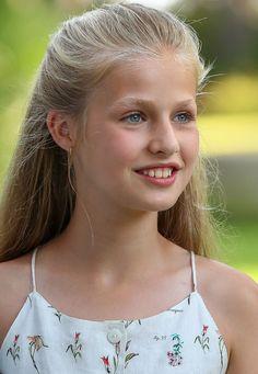 Real Princess, Princess Sofia, Pink Princess, Leonor Princess Of Asturias, Adele, Spanish Royalty, Spanish Royal Family, Royal Tiaras, Aesthetic Hair