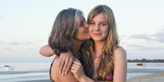 9 Things Only The Mother Of A Teenage Girl Would Understand: A teenage daughter can go from loving you to hating you -- and back again -- before you can say Taylor Swift three times. Letter To My Daughter, Dear Daughter, Daughter Quotes, Mother Daughter Pictures, Mother Daughter Photography, Family Posing, Family Photos, Mom Hairstyles, Haircuts