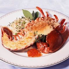 Roasted lobster with white butter - celtitoon - - Homard rôti au beurre blanc Roasted lobster with white butter Lobster Recipes, Seafood Recipes, Looks Yummy, Food Industry, French Food, Fish And Seafood, Drinking Tea, Fine Dining, Entrees