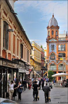 """Sevilla : A nice tiles facade """"azulejos"""" / Plaza del Pan"""