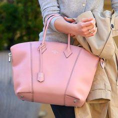 louis vuitton light pink Lockit bag
