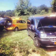 Twitter: Larienet: En daar gaan we weer. 1x weggesleept, 2 garagebezoeken en toch ben ik blij met dit gele autootje. #anwb (05-08-2013)