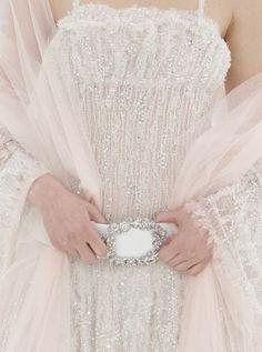 alexa23:    lavandula:    chanel haute couture spring/summer 2005    (viaalexa23)