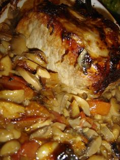 "Roti de porc a la sauce ""qui tue"" ! - Des Lys d'Or - En surfant sur le net pour trouver une recette pour cuisiner mon rôti de porc d'une autre façon - Cooking Recipes For Dinner, Easy Cooking, Healthy Cooking, Cooking Twine, Oven Cooking, Cooking Tools, Roast Recipes, Crockpot Recipes, Grilled Recipes"