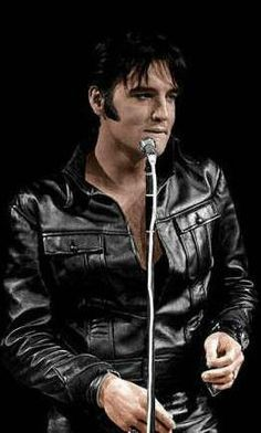 "Greateast show ""Come back ""  Sweet Elvis in 1968"