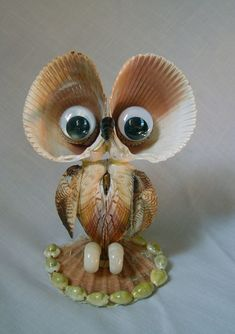 Beautiful Handmade Sea Shell Owl *Great Condition*