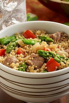 Easy quinoa recipe combines cooked quinoa with tender pieces of beef, asparagus and bell pepper for a healthier main dish