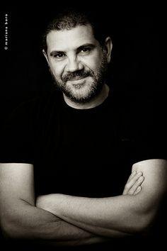 Portrait do arquiteto Rico Mendonça para perfil site e divulgação. Foto © Mariana Boro - A CASAA