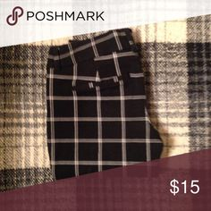 Plaid pixie pants Black and white plaid pixie pants in EUC. Great for work! Open to offers, bundle for 20% off, only trade for my ISO Old Navy Pants Ankle & Cropped