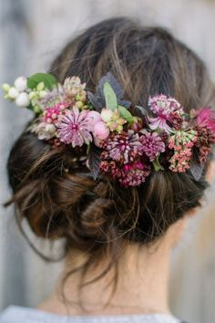 Cool 55+ Dazzling Fall Wedding Hairstyle Inspirations To Look More Beautiful  https://oosile.com/55-dazzling-fall-wedding-hairstyle-inspirations-to-look-more-beautiful-7684