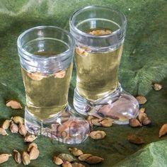 LIQUORI FATTI IN CASA Raccolta Blog Cucina Casareccia Limoncello, V8 Juice, Homemade Liquor, Tea Cocktails, Mason Jar Wine Glass, Herbal Tea, Destiel, Healthy Drinks, Herbalism