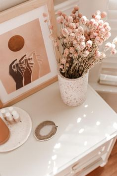 Boho Bedroom Decor, Boho Room, Room Ideas Bedroom, Boho Decor, Fake Flowers Decor, Flower Decorations, Dried Flowers, Flower Drawing Tutorials, Beautiful Home Designs