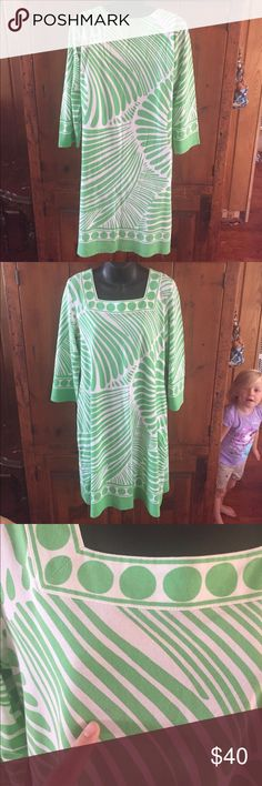 Barbara Gerwit Green long sleeve dress Sz Large Barbara Gerwit beautiful green long sleeve dress. Small stain on front. The pictures will show it. Worn condition.  Still a lot of life left. Please ask questions. Barbara Gerwit Dresses Long Sleeve