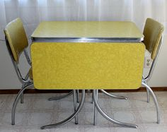 Marvelous Vintage Chrome Table And Chairs