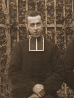 Albert-François Quesnel 1858-1935 Il aurait bien souhaité épouser Céline, et demanda même sa main le 9 avril 1888. - Henry Maudelonde souhaitait également épouser Céline http://www.archives-carmel-lisieux.fr/carmel/index.php/m/12845-monsieur-henry-maudelonde