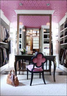 beautiful closet & dressing table