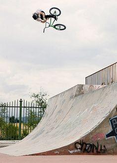 BMXing: Tommy Dugan – Empire // Bad Idea (Clip)