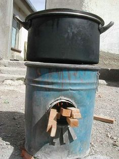 Rocket Stove - tutorials on various types of rocket stoves.