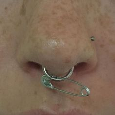 No septum piercing 4 u :( Piercings Bonitos, Cute Jewelry, Jewelry Accessories, Jewelry Ideas, Cross Jewelry, Jewelry Stand, Dainty Jewelry, Etsy Jewelry, Bohemian Jewelry