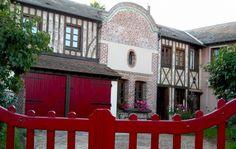 musée, jardin et ferme à visiter au Pays du camembert Home Decor, Gardens, Farm Gate, Decoration Home, Interior Design, Home Interior Design, Home Improvement