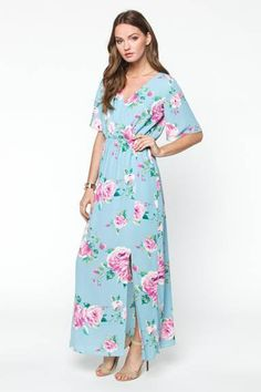 a3d42208a3a Dazzle into any room with this floral maxi dress! Short bell sleeves