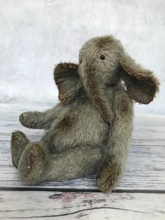 Panda Bear, Polar Bear, Elephants, Giraffe, Soft Play, Lemur, Orangutan, Chipmunks, Old Toys