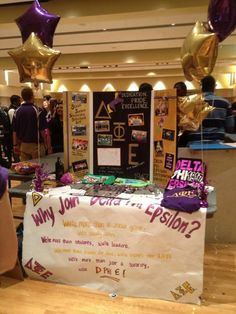 cute recruitment table
