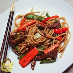 Menu Musings of a Modern American Mom: Easy Beef Lo Mein. 1 3/4 lb top sirloin steak, cut into thin strips, 16 oz linguine noodles (or fresh lo mein egg noodles), 3-4 C shredded Napa cabbage, 4 oz bean sprouts, 2 med carrot julienned, 1 red pepper, julienned, 8 oz sugar snap peas, 4 green onions, plus other pantry staples.